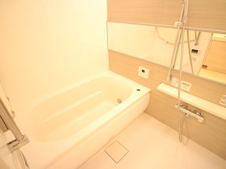 疲れを癒す場所だからこそ快適・清潔な空間で心も体もオフになる時間をお楽しみください。浴室暖房乾燥機完備でバスタイムも快適に。