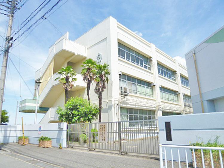 横浜市立中川中学校 距離1200m