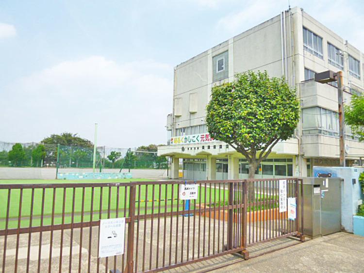 川崎市立宮崎小学校 距離300m