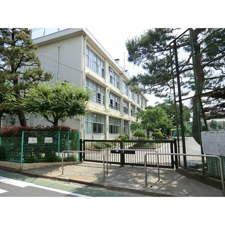 上石神井小学校(約770m)