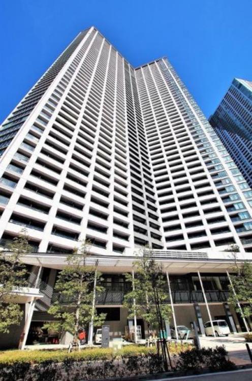 地上53階建ての超高層タワーマンション。