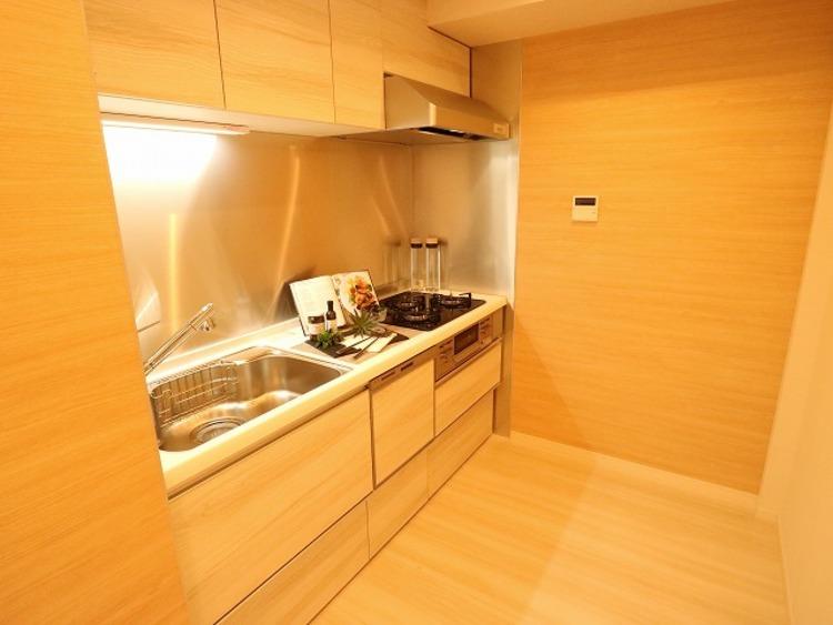 ゆったりと調理ができる位のスペースを実現したキッチン。使いこなす楽しみも教えてくれるシステムキッチンです。