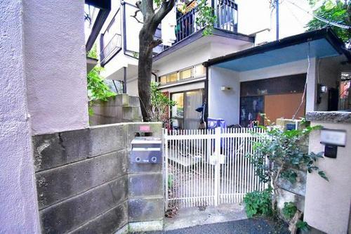 【中古一戸建て】東京都杉並区下高井戸4丁目の物件画像