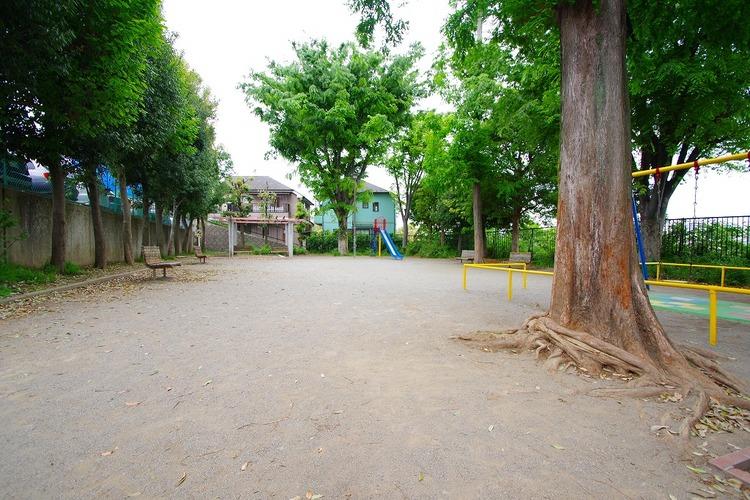 馬絹寺台公園 距離1300m