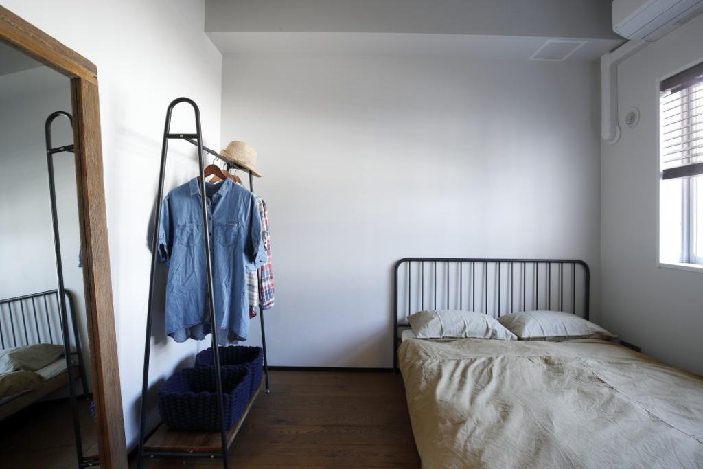 寝室はシンプルに