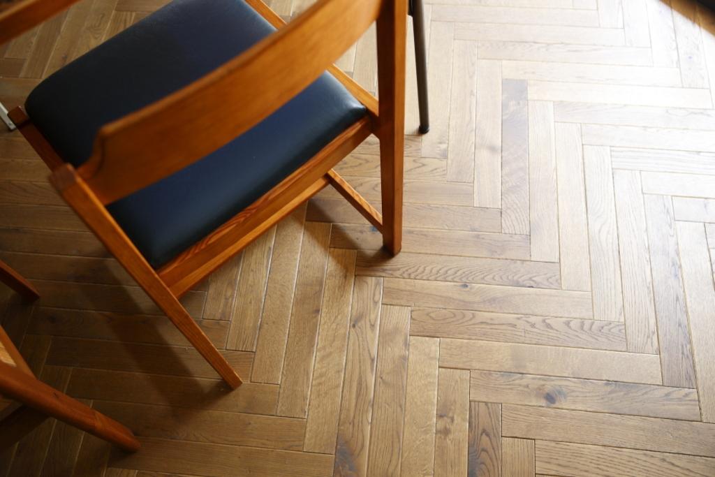 床材は無垢です。