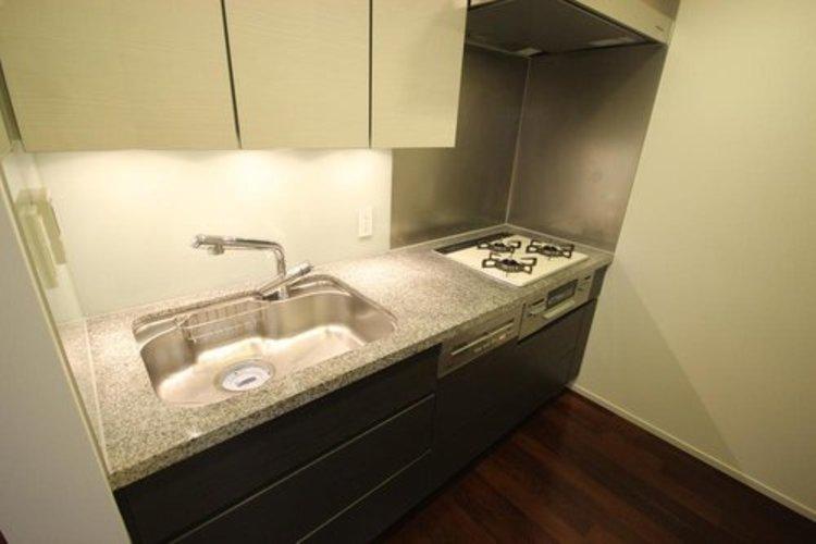 クローズキッチンは、集中して作業することができます。そのため料理が好きな方から大変人気があります。