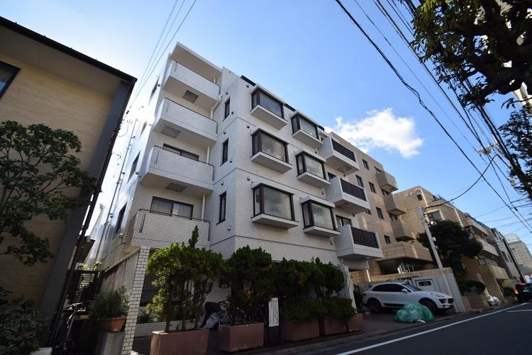 〜優雅な邸宅街に佇む低層マンション〜
