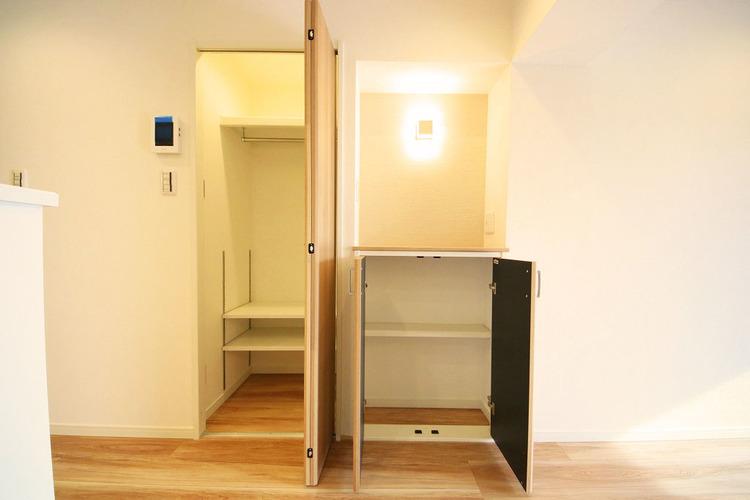 リビングにも収納があり、整理整頓のしやすい設計です
