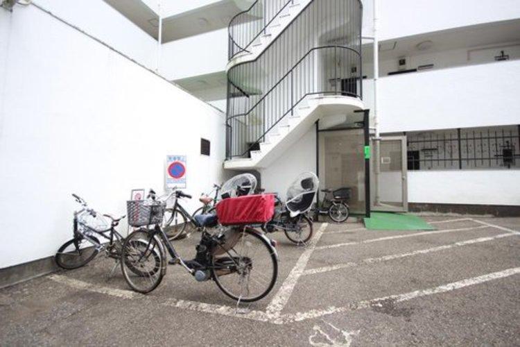 専用の駐輪場も完備しております。