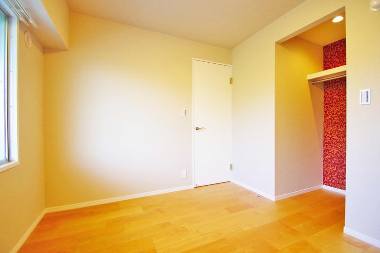 窓があるので、通風や採光があるお部屋です