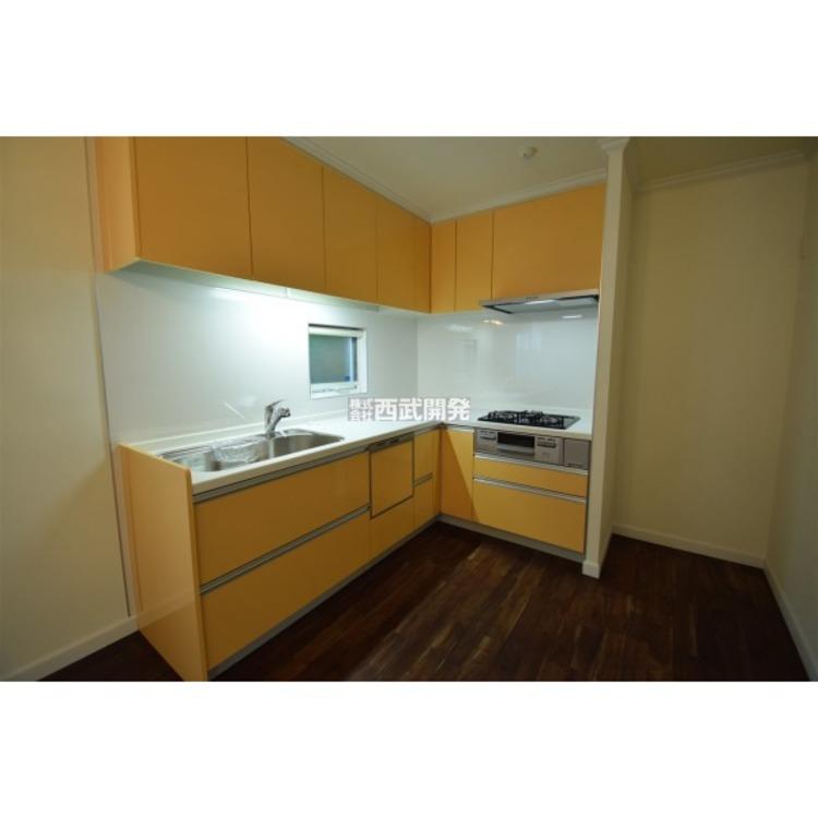 L字型のキッチンは家事仕事中の移動距離が少なくて使いやすいですよ!