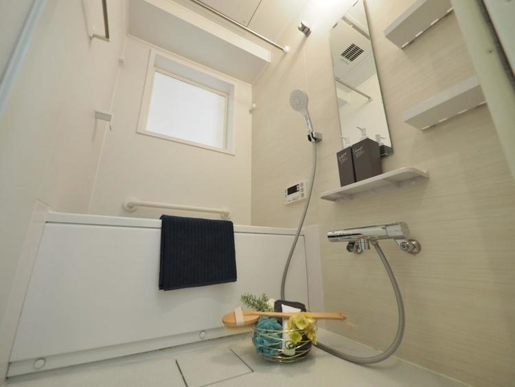 掃除のしやすさ・収納の便利さなど、みんなにとっての「しあわせ性能」を追求したバスルームを採用。