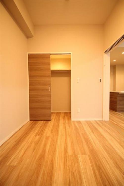 4.5帖洋室のスライドドアの開閉ひとつでLDK最大17.4帖に