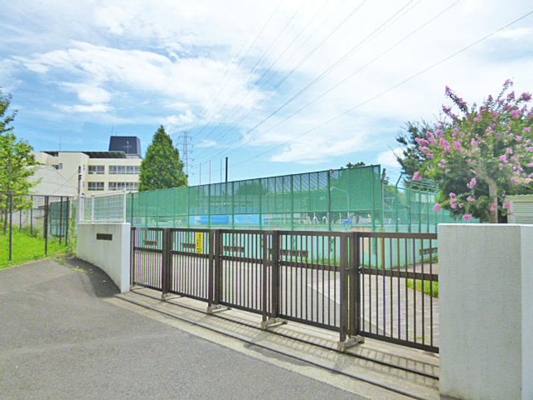 横浜市立美しが丘東小学校 距離700m