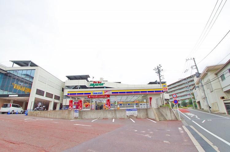 ミニストップ 川崎ドラゴン店 距離1900m