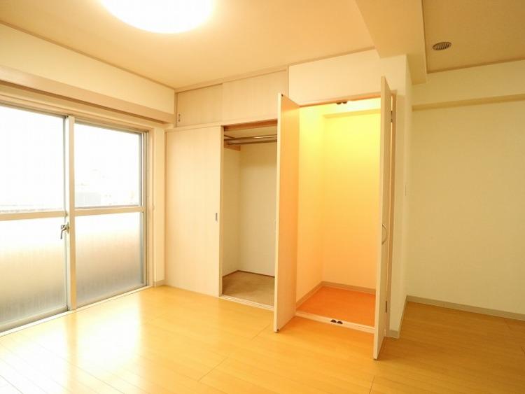 各部屋を最大限に広く使って頂ける様、大型収納を設置。プライベートルームはゆったりと快適に。