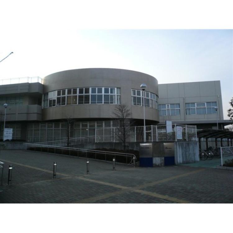川越西図書館(約600m)