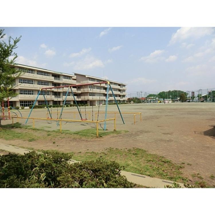 霞ヶ関北小学校(約700m)