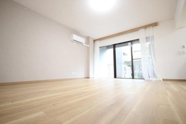 充実した生活は伸びやかな居室空間から始まります。快適に・伸びやかに。心の潤いを求める方々へ。
