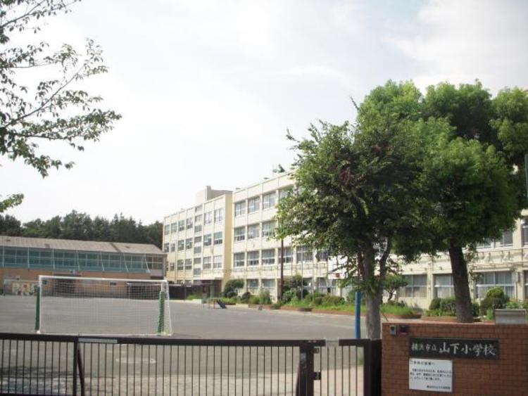 横浜市立山下小学校1100m