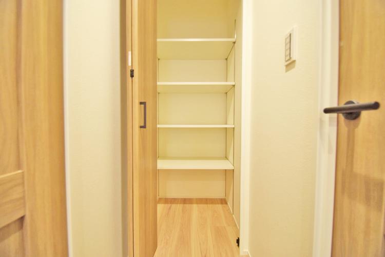 廊下 収納スペース