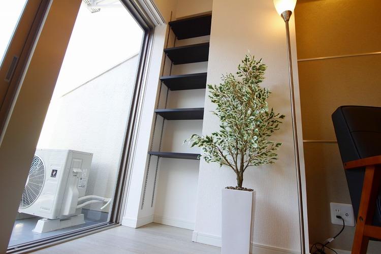 LDKにある収納棚は飾り棚としても使えます