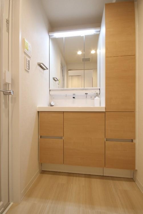 手間をかけずにキレイにできる清掃性と大容量収納を実現