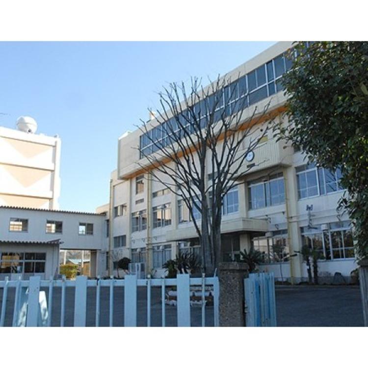 十二月田小学校(約600m)