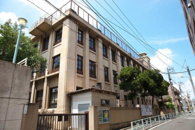渋谷区立広尾小学校まで478m ともに学び ともに生きる 広尾の子を育てる「やさしく かしこく たくましく」