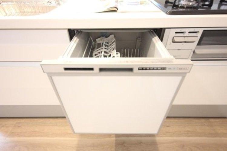 家事のお手伝いをしてくれる食洗機。家事の時短や節水に役立ちます。