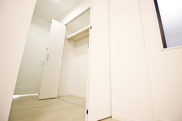 洋室約9帖 収納スペース