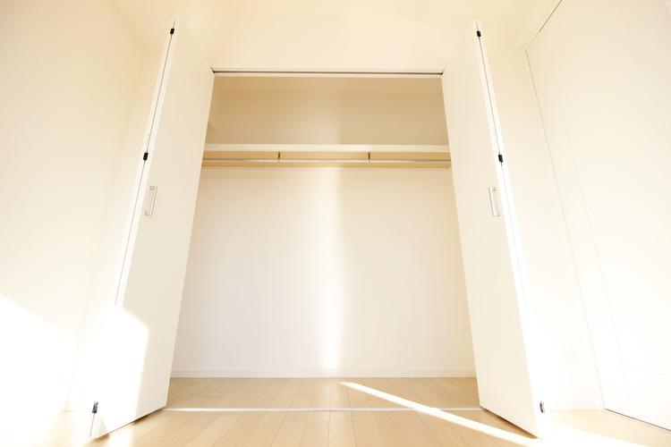 洋室約6帖 収納スペース