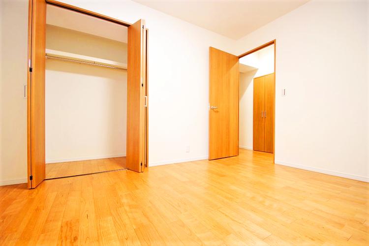 洋室約6帖 収納スペース有