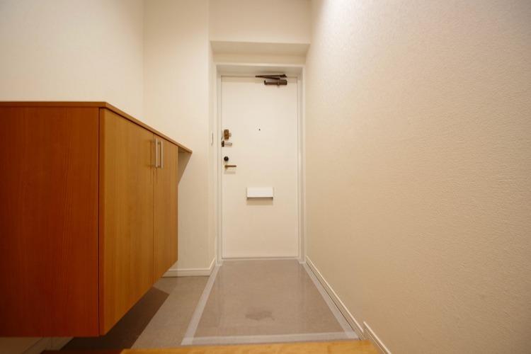 飾リ過ぎないシンプルな内装と偏り過ぎないデザインの玄関