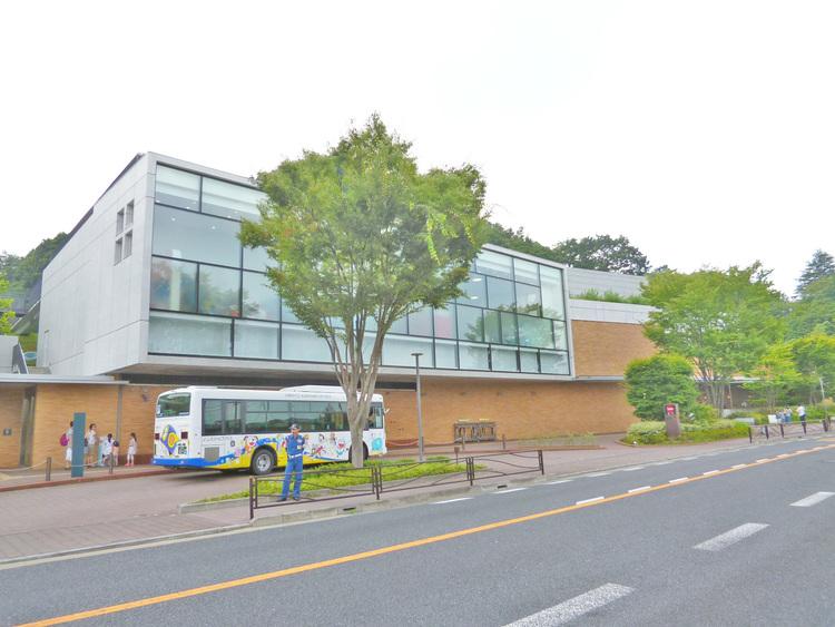 藤子・不二雄ミュージアム 距離1300m