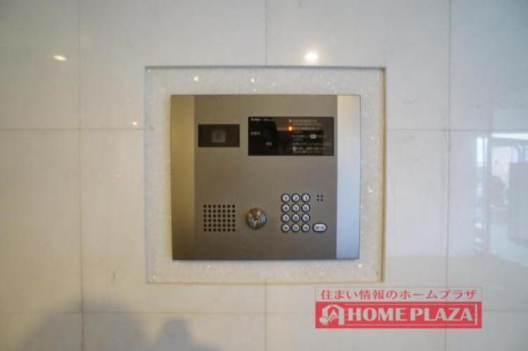 モニター付きインターフォンで、急な来客も確認ができ安心です!