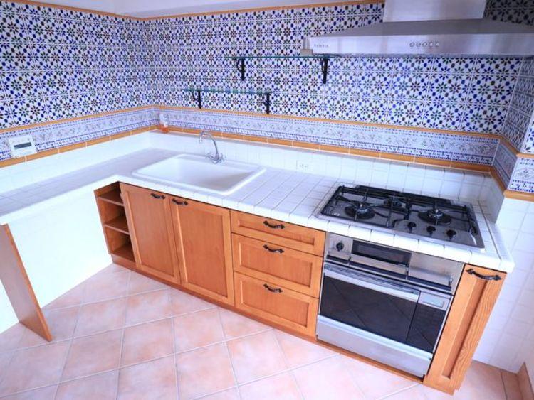おしゃれなキッチン。使い勝手の良い設備のキッチンで効率よくお料理ができます。