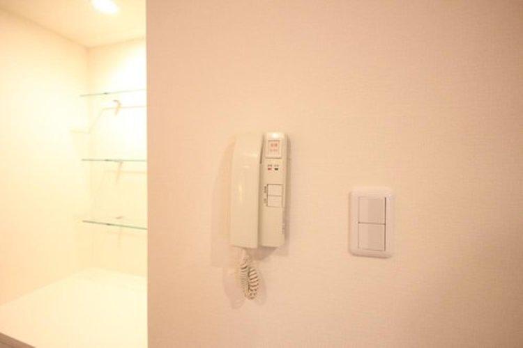 インターフォン付きで防犯対策も安心です。