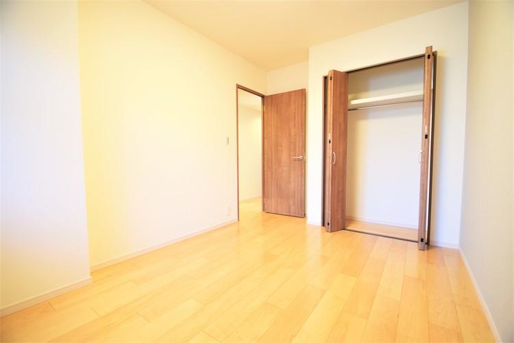 6帖ほどのお部屋は使い勝手がよく、自分好みのインテリアでコーディネイトできます