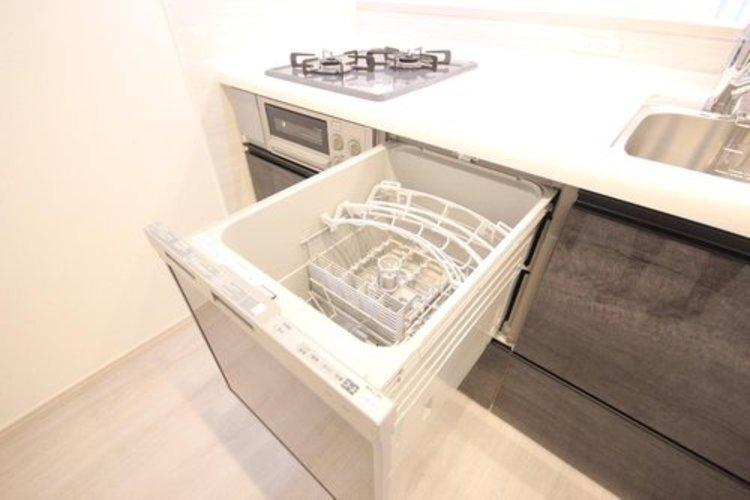 家事のお手いをしてくれる食洗機。家事の時短や節水に役立ちます。