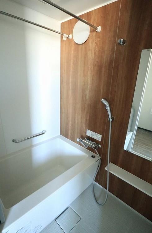 天候や時間を気にせずお洗濯物をしっかり乾燥できる浴室乾燥機が標準装備されています