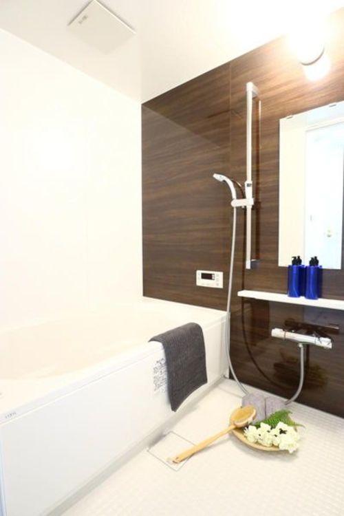 「バスルーム」追い焚き機能もありゆったりと一日の疲れを癒せます。