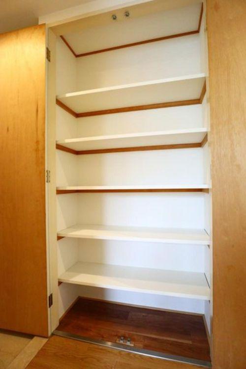 「収納」廊下にもたっぷりと収納があります。