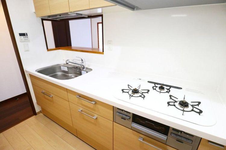 「キッチン」使いやすい3口コンロのシステムキッチン