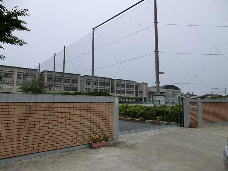 藤沢市立片瀬中学校 徒歩15分 1200m