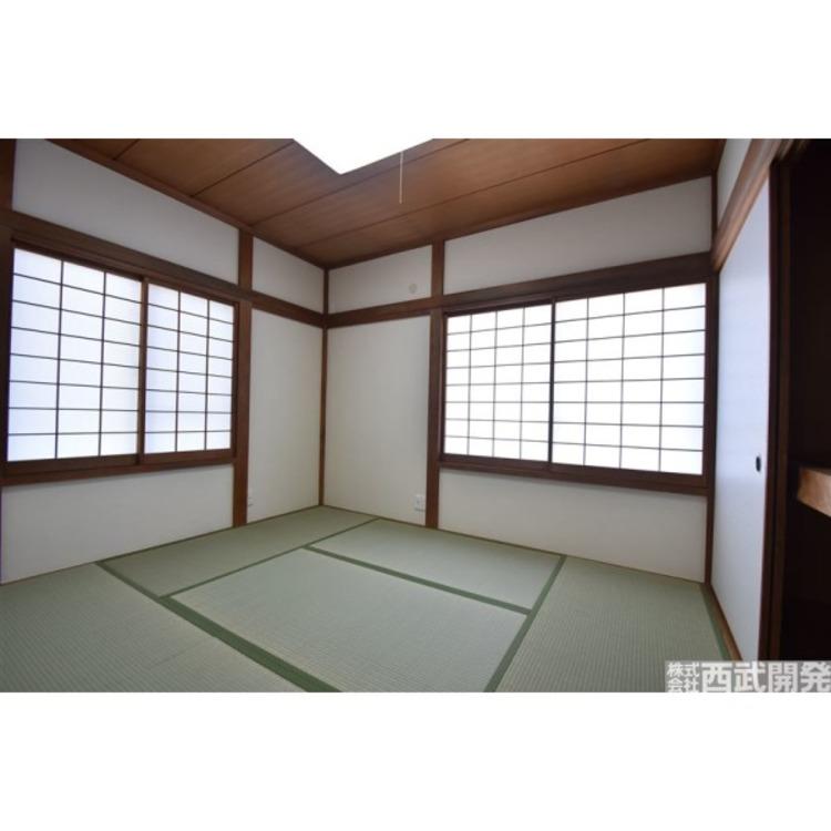 日本特有の部屋「和室」。障子越しに溶け込む太陽の明かりは、心を和ませてくれます。