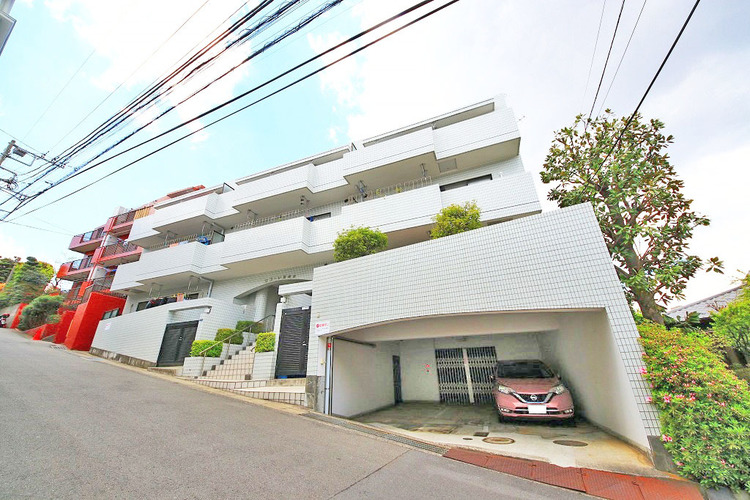 〜緑豊かな住環境〜新規リフォームマンション〜