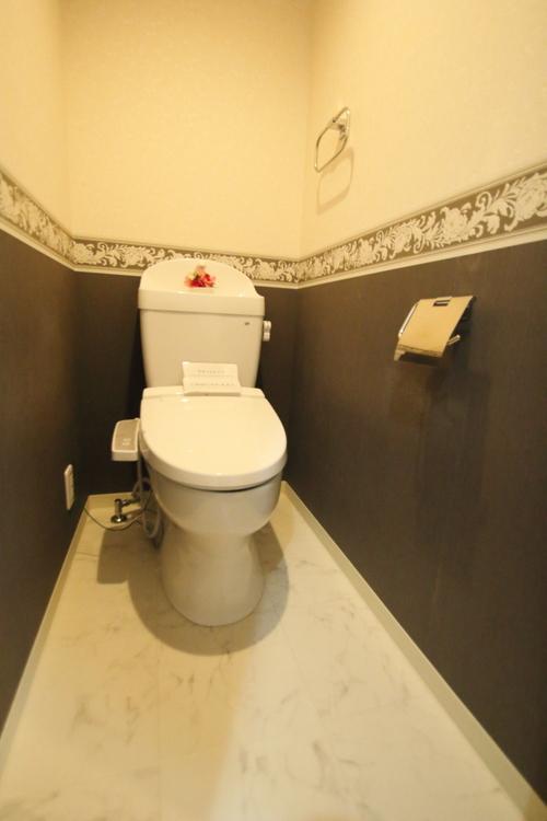 シンプルで無駄のないデザインでお掃除しやすさ◎ キレイがずっと続くトイレ。