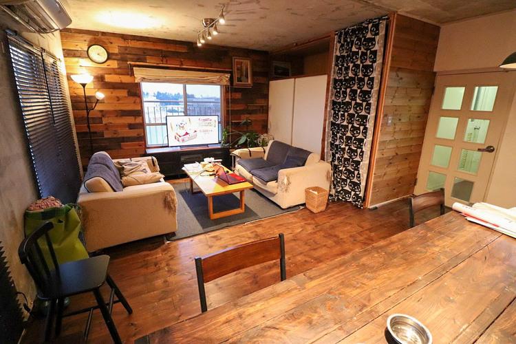 インテリアショップで見かけた「あの家具」も置ける、ゆったりとした空間。時に広さが上質な寛ぎの時間になる事も。